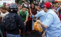 Il Venezuela affronta una doppia crisi: del chavismo e quella economica