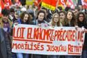 Approvata in Francia la Loi Travail tra forzature e proteste sociali